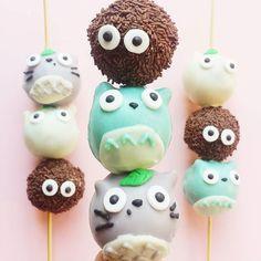 Totoro dango cake pops hehe by vickiee_yo