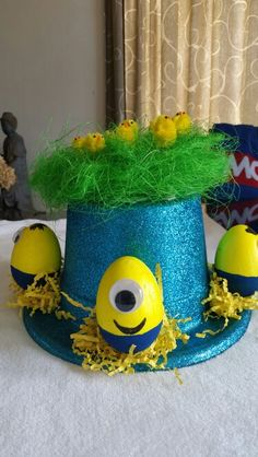 Boys Minion easter bonnet Boys Easter Hat, Easter Bonnets For Boys, Minion Easter Eggs, Easter Hat Parade, Easter Ideas, Easter Crafts, Spring Hats, Funny Hats, Crazy Hats