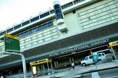Los principales aeropuertos de Florida reinician sus operaciones hoy martes