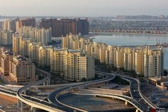"""Residential rents will fall in Dubai in 2016 and 2017 if """"all housing units are delivered on time"""