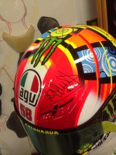 Il casco originale di Valentino Rossi dedicato a Marco Simoncelli Agv helmet Riders