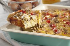 Save yourself time in the morning, and prepare this Overnight Sausage Breakfast Casserole the night before. This Overnight Sausage Breakfast Casserole is a savoury and scrumptious way to start the day! Breakfast Sausage Links, Kraft Recipes, Bagels, Sauce Pour Porc, Plain Bagel, What's Cooking, Cooking Recipes, Nutrition, Casserole Recipes