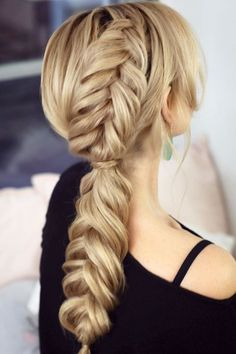 Side Braided Low Pony ❤ #lovehairstyles #hair #hairstyles #haircuts Long Hair Wedding Styles, Holiday Hairstyles, Wedding Hairstyles For Long Hair, Fancy Hairstyles, Vintage Hairstyles, Straight Hairstyles, Bandana Hairstyles, Hairstyles Haircuts, Fancy Braids