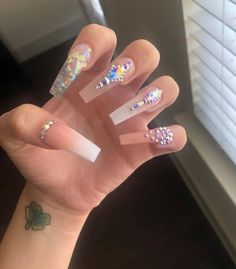 How to choose your fake nails? How to choose your fake nails? Bling Acrylic Nails, Rhinestone Nails, Bling Nails, Stiletto Nails, Coffin Nails, Pastel Nails, Glitter Nails, Perfect Nails, Gorgeous Nails
