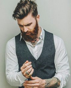 Sexy bearded Man!