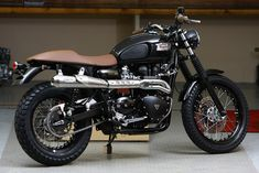 "RocketGarage Cafe Racer: Scrambler ""Paris by Night"". Not that keen on the seat though..."