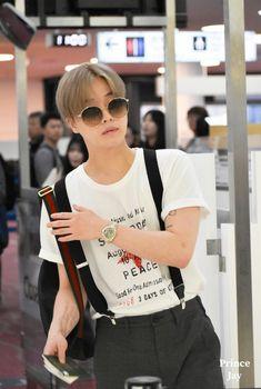 Chanwoo Ikon, Kim Hanbin, Jung Jaewon, Kim Jin, Airport Style, Kurt Cobain, Boy Groups, Boyfriend, T Shirts For Women