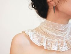 Marie Antoinette french lace collar via LucieTales