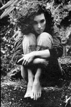senza-scarpi: Winona Ryder, 1991 #cartonmagazine