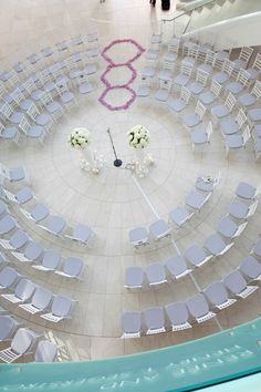 Circle wedding ceremony set up at segerstrom center for the arts, photo by Jules Bianchi  | junebugweddings.com
