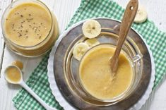 This Cantaloupe, Banana + Chia Seeds Baby Food Puree is a fresh tasting puree that can be made in 5 minutes or less! Baby Puree Recipes, Baby Food Recipes, Baby Eating, Toddler Meals, Toddler Food, Chia Seeds, Kiwi, Cantaloupe, Yogurt