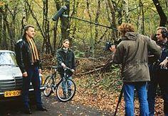 15-Aug-2014 12:41 - DE EERSTE SUCCESSEN VAN TV-MAN PETER R. DE VRIES. Natuurlijk kenden we Peter R. de Vries al als verslaggever voor krant (De Telegraaf) en tijdschrift (Panorama), maar vanaf 1995 verandert hij ook het tv-landschap. Wat missen we dat programma dat onderzocht, ontmaskerde, aanklaagde en verdedigde… Deze week in Panorama een weemoedige terugblik. De allereerste aflevering van Peter R. de Vries wordt op 10 oktober 1995 uitgezonden, met een spectaculaire...