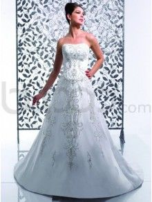 A-Line Satin Embroidered Bodice Soft Sweetheart Neckline Chape Train Wedding Dress (K3953)