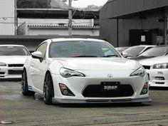 Toyota GT 86 - hus's new fancy car