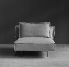 From the iconic Daybed to the grand Modular Sofa, all HANDVÄRK seating objects are meticulously designed in Denmark and characterized by aesthetic sustainability: a timeless object in a quality last a lifetime. Danish Furniture, Furniture Design, Modular Sofa, Daybed, Home Interior, Monochrome, Love Seat, Minimalism, Universe