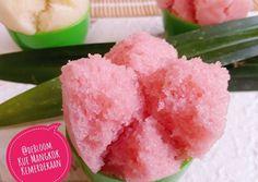 505. Kue Mangkok Kemerdekaan #SeninSemangat Indonesian Desserts, Indonesian Food, Resep Cake, Steamed Cake, Cake Cookies, Asian Recipes, Watermelon, Biscuits, Food And Drink