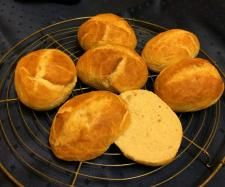 Rezept Knusprige Frühstücksbrötchen von BiancaGrimm - Rezept der Kategorie Brot & Brötchen