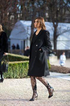 TRÈS CHIC: STREET STYLE FROM PARIS HAUTE COUTURE Harper's BAZAAR waysify