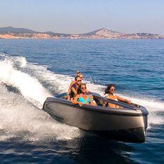 6-seater jet-ski / 200 hp 16 Vanquish Yachts