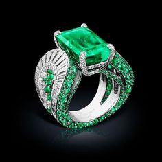 """""""Give me songs to sing and emerald dreams to dream and I'll give you love unfolding."""" - Jim Morrison  Dreams are far away because this breathtaking emerald and diamond ring @degrisogono has taken our sleep away.  #thegemdialogue #emeralds"""