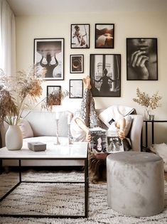 Self Storage, Interior Decorating, Gallery Wall, About Me Blog, Home Decor, Ska, Drawing Room Interior, Room Decor, Interiors