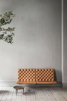 Beautiful wall hanging sofa PK26 sofa by Poul Kjærholm