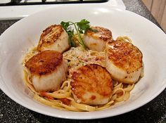 Creamy Bacon Pasta with Coffee Spice Rubbed Scallops from www.justapinch.com YUM!