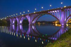 henley-bridge-in-knoxville-tn-mike-mcglothlen.jpg (900×600)