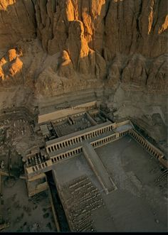 Queen Hatshepsut's mortuary temple,niel's west bank,  #luxor #egypt ... The temple is totaly carved into the hill in the back!