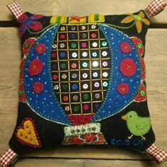 Throw Pillows, Create, Bed, Toss Pillows, Stream Bed, Decorative Pillows, Decor Pillows, Beds, Scatter Cushions