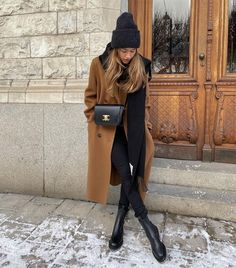 Follow our Pinterest Zaza_muse for more similar pictures :) Instagram: @zaza.muse   Camel coat. Women's fashion. Fall Winter Outfits, Autumn Winter Fashion, Winter Style, Casual Outfits, Fashion Outfits, Womens Fashion, Fashion Dolls, Style Fashion, Camel Coat Outfit