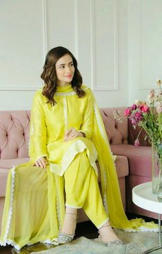 Black Pakistani Dress, Pakistani Fashion Casual, Pakistani Dresses Casual, Pakistani Bridal Wear, Indian Fashion, Pakistani Kurta, Korean Fashion, Boho Fashion, Fashion Ideas
