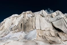 The Rhône Glacier being covered with veils of white sheets to prevent further melting Glaciers Melting, Greenhouse Effect, Humpback Whale, Once In A Lifetime, Photos Of The Week, Taking Pictures, Landscape Photography, Travel Photography, Serenity