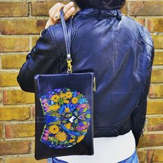 That clutch.. That always has your back. 'Peacock Garden' by Sharon Turner. Get it here: http://createandcase.com/clutch-bags/134-peacock-garden.html