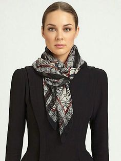 How to wear a scarf square neck scarves Ideas Ways To Wear A Scarf, How To Wear Scarves, Square Scarf How To Wear A, Mode Ab 50, Scarf Knots, Tie A Scarf, Mode Chic, Silk Shawl, Pashmina Scarf