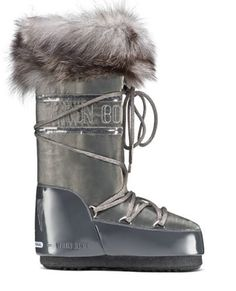glamour moonboot by tecnica. Ski Boots, Winter Boots, Ski Fashion, Winter Fashion, Fashion 2017, Apres Ski Outfits, Winter Chic, Fall Winter, Moon Boots