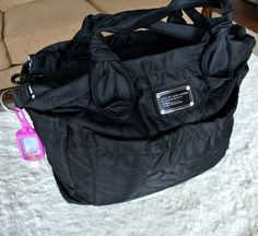 What's in Our Diaper Bag? List of baby essentials - First time Mom's pin now!