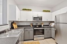Our fully equipped kitchens feature stianless steel appliances. #Amenities #ReNewJordanCreek #Apartments Kitchen Cabinets, Appliances, Apartments, Kitchens, Steel, Home Decor, Gadgets, Accessories, Decoration Home
