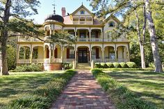 Rosemont, a rarely found Queen Anne Victorian Estate, left intact for 118 years is situated on approximately 3.5 of gorgeous grounds including a Pecan orchard. This 1894 architectural gem is listed on both the National and Texas Historical Registers.
