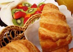 Jedidja offer three breakfasts designed to suit our guest's requirements.Continental Breakfast Buffet,Full English Breakfast Buffet and our Banting Breakfast. Banting Breakfast, Gourmet Breakfast, Breakfast Buffet, Bed And Breakfast, Luxury, Ethnic Recipes, Food, Photos, Pictures