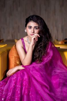 South Indian Actress, Beautiful Indian Actress, Bollywood Celebrities, Bollywood Actress, Sonam Kapoor, Deepika Padukone, Oscars Red Carpet Dresses, Oscar Fashion, Russian Models