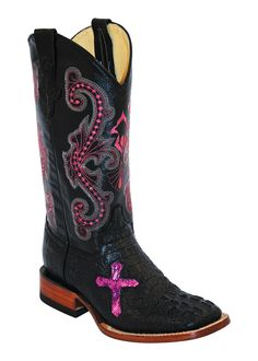 Show your exquisite style in premium quality, handcrafted western footwear from Ferrini. These authentic western Leather womens cowboy boots feature a embroider