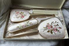 A Gorgeous and fully vintage boxed dressing table set, in a floral, pink rose and gold pattern design. Perfect for your French vintage bedroom. Vintage Box, French Vintage, Retro Vintage, Vintage Bedroom Sets, A Study In Pink, Mirror Crafts, Gold Pattern, Pattern Design, Dressing Table Set
