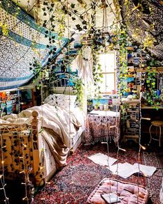 Perfect Idea Room Decoration Get to know it - Schlafzimmer Ideen Boho - Bedroom Ideas Dream Rooms, Dream Bedroom, Master Bedroom, Fantasy Bedroom, Cozy Bedroom, Fairytale Bedroom, Fairy Bedroom, Gypsy Bedroom, Magical Bedroom