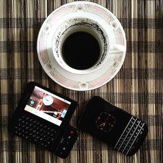 #inst10 #ReGram @pangapora: A conservative morning. #Google #BlackBerry and #coffee #BlackBerryClubs #BlackBerryPhotos #BBer #BlackBerry #BlackBerryQ10 #Q10 #QWERTY #Keyboard #BlackBerry10 #BlackBerryCases