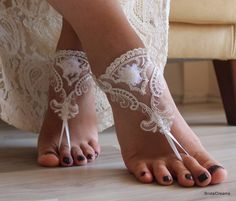 Barefoot Wedding Sandals for Beach Weddings - Wedding Tips 101 Barefoot Sandals Wedding, Beach Wedding Shoes, Wedge Wedding Shoes, Bridal Shoes, Beach Shoes, Barefoot Beach, Bridal Sandals, Lace Weddings, Wedding Lace