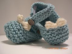 Ravelry: Baby Janes with Buttons and Bows pattern by Mary Beth Petrone