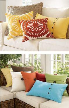 Añade color y luz a tu sala… ¡al instante! Living Room Decor Pillows, Diy Pillows, Living Rooms, Rideaux Design, Rustic Decorative Pillows, Cushion Cover Designs, Futons, Store Interiors, Couch