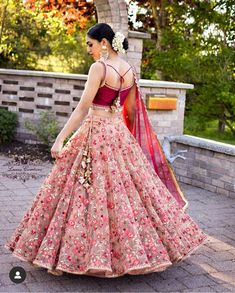 Indian girl with a glamour dress - Designer Dresses Couture Indian Fashion Dresses, Indian Bridal Outfits, Indian Bridal Lehenga, Indian Gowns Dresses, Indian Designer Outfits, Designer Dresses, Lehenga Choli Wedding, Indian Wedding Gowns, Pakistani Clothing