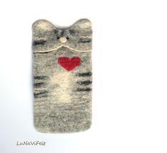 Cat iPhone 5 case. Grey tabby cat. Felt iPhone SE by LuNaViFelt